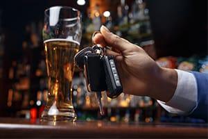 Alkohol a prowadzenie auta ‒ dlaczego wsiadanie za kółko pod wpływem to zły pomysł? - KacDoktor